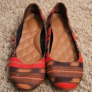 Reef Tropic red stripe flats size 7